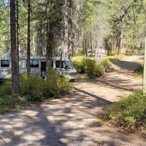 12 Full Hook up RV Spaces Availible